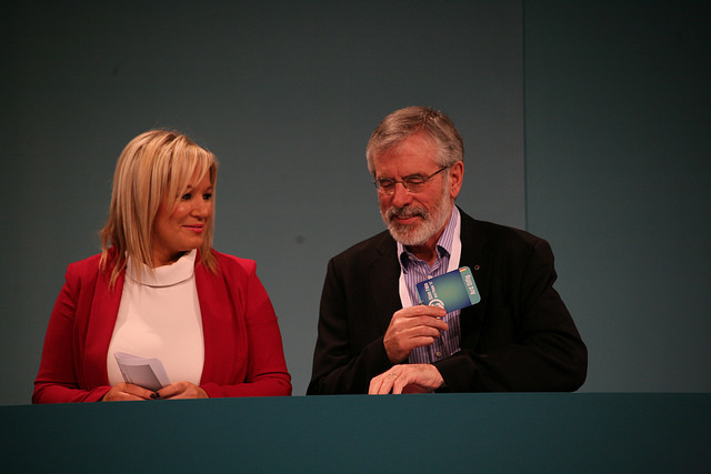 Gerry Adams und Michelle O'Neill
